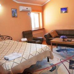 Отель Клубный Отель Флагман Кыргызстан, Бишкек - отзывы, цены и фото номеров - забронировать отель Клубный Отель Флагман онлайн комната для гостей фото 2