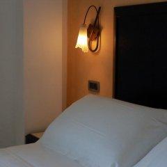 Hotel Du Soleil сейф в номере