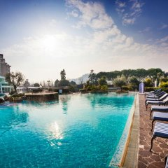 Отель Radisson Blu Majestic Hotel Galzignano Италия, Региональный парк Colli Euganei - отзывы, цены и фото номеров - забронировать отель Radisson Blu Majestic Hotel Galzignano онлайн бассейн фото 2