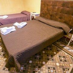 Отель Hostal Balmes Centro Стандартный номер с различными типами кроватей фото 7