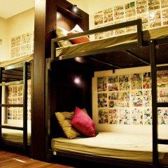 goStops Delhi (Stops Hostel Delhi) Кровать в общем номере с двухъярусной кроватью фото 9