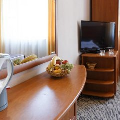 Гостиница Радужный 2* Стандартный номер с двуспальной кроватью фото 7