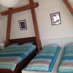 Hostel One Miru Кровать в общем номере с двухъярусной кроватью фото 17