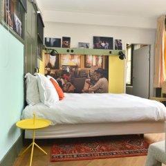 Lloyd Hotel 3* Улучшенный номер