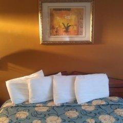 Отель Rodeway Inn Culver City 2* Стандартный номер с различными типами кроватей фото 5