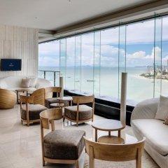 Отель Hilton Pattaya 5* Номер Делюкс с двуспальной кроватью фото 5