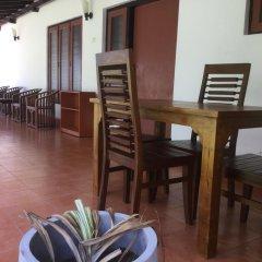 Отель Karl Holiday Bungalow Шри-Ланка, Калутара - отзывы, цены и фото номеров - забронировать отель Karl Holiday Bungalow онлайн питание