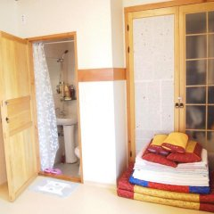 Отель Gaonjae Hanok Guesthouse Южная Корея, Сеул - отзывы, цены и фото номеров - забронировать отель Gaonjae Hanok Guesthouse онлайн комната для гостей