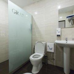 Отель Granada Hotel Армения, Ереван - отзывы, цены и фото номеров - забронировать отель Granada Hotel онлайн ванная