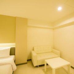 Отель Myhotel Cmyk@Ratchada 3* Номер Делюкс с различными типами кроватей фото 3