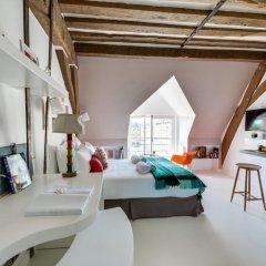 Отель Sweet Inn Place des Vosges Париж комната для гостей фото 3