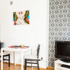 Отель Apartment4you Centrum 1 Варшава комната для гостей фото 2