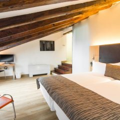 Отель Petit Palace Plaza del Carmen 4* Стандартный номер с различными типами кроватей фото 32