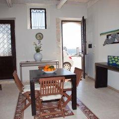 Отель Case di Sicilia Италия, Сиракуза - отзывы, цены и фото номеров - забронировать отель Case di Sicilia онлайн комната для гостей фото 2