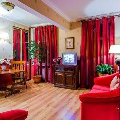 Отель Khreshchatyk Suites Киев комната для гостей фото 5