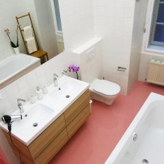 Отель aeki CITY Австрия, Вена - отзывы, цены и фото номеров - забронировать отель aeki CITY онлайн ванная