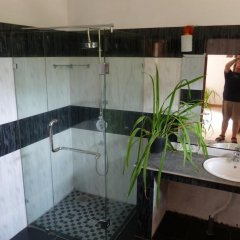Отель Bougain Villa Шри-Ланка, Берувела - отзывы, цены и фото номеров - забронировать отель Bougain Villa онлайн ванная фото 2