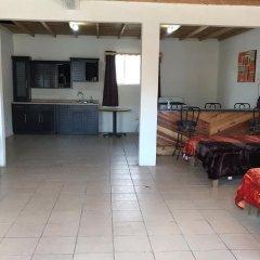 Hotel Doña Crucita 2* Номер с общей ванной комнатой с различными типами кроватей (общая ванная комната)