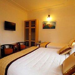 Отель Flower Garden Homestay 3* Номер Делюкс фото 27