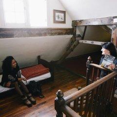 Отель Palmers Lodge Swiss Cottage Кровать в женском общем номере фото 2