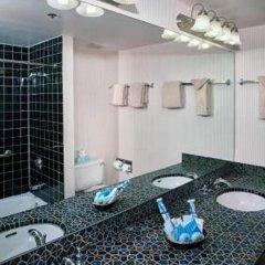 Отель Four Queens Hotel and Casino США, Лас-Вегас - отзывы, цены и фото номеров - забронировать отель Four Queens Hotel and Casino онлайн ванная