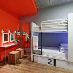Отель Generator Berlin Mitte Кровать в женском общем номере фото 3