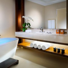 Отель JW Marriott Marquis Dubai 5* Стандартный номер с различными типами кроватей фото 11