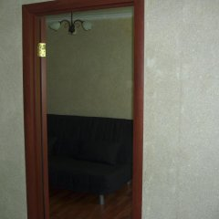Апартаменты Apartment On Korolenko сейф в номере