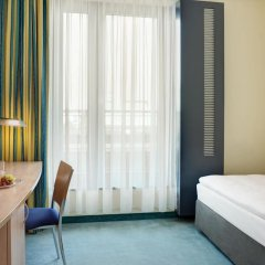 Отель IntercityHotel Hamburg Hauptbahnhof Стандартный номер разные типы кроватей фото 3