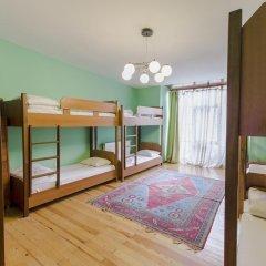 Cheers Hostel Кровать в общем номере с двухъярусной кроватью