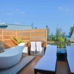Отель Coconut Tree Hulhuvilla Beach Мале бассейн фото 2