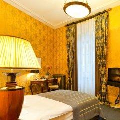 Grand Hotel Les Trois Rois 5* Стандартный номер с различными типами кроватей фото 4