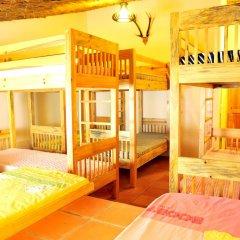 Отель Dalat Flower 3* Кровать в общем номере фото 3