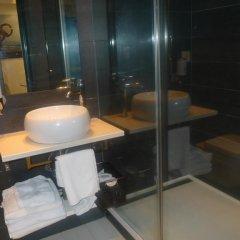 Отель Apartamentos Okendo Сан-Себастьян ванная