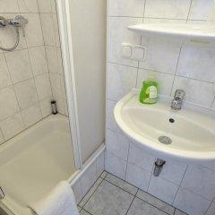 Отель Fresh INN Германия, Унтерхахинг - отзывы, цены и фото номеров - забронировать отель Fresh INN онлайн ванная фото 2