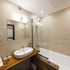 Гостиница Голубая Лагуна Люкс с двуспальной кроватью фото 10