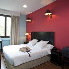 Отель Hôtel Berlioz 3* Улучшенный номер с двуспальной кроватью