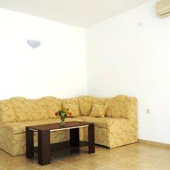Апартаменты Natalia Apartment in Vista Del Mar 2 Свети Влас комната для гостей фото 4