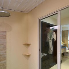 Отель Andaman White Beach Resort 4* Вилла с различными типами кроватей фото 25