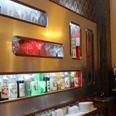 Отель Гранд Отель Европа Азербайджан, Баку - 1 отзыв об отеле, цены и фото номеров - забронировать отель Гранд Отель Европа онлайн гостиничный бар фото 2