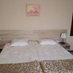 Семейный отель Друзья Солнечный берег комната для гостей фото 5