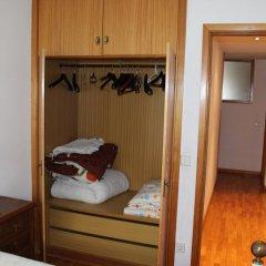 Отель Room São Dinis сейф в номере