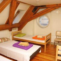 Хостел Doma Стандартный семейный номер с двуспальной кроватью фото 2