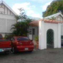 Indies Hotel парковка