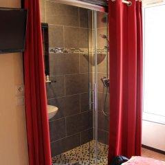 Отель Hôtel des Buttes Chaumont 2* Стандартный номер с различными типами кроватей фото 7