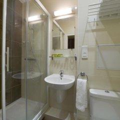 Отель Hôtel du Quai de Seine 2* Стандартный номер с различными типами кроватей фото 9