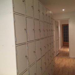 Riva Hostel сейф в номере