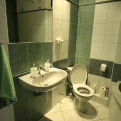 Globetrotter Hostel Варшава ванная