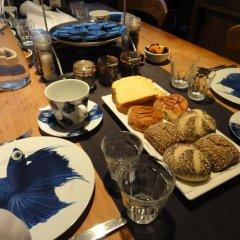 Отель Bed and Breakfast Amsterdam West питание