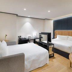 Отель H10 Puerta de Alcalá 4* Стандартный номер с двуспальной кроватью фото 11